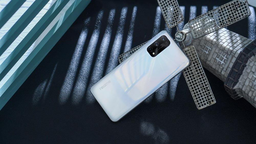 realme 7 Pro 5G Skyline White